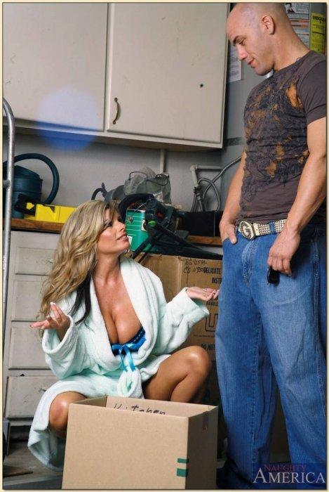 Женщина за сорок трахает сантехника