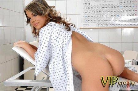 Сука дрочит в больнице