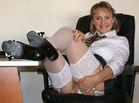 Секретарша на рабочем месте