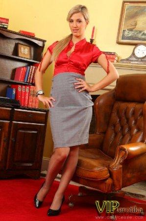Юная американская секретарша