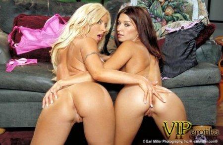 Две знойные лесбиянки