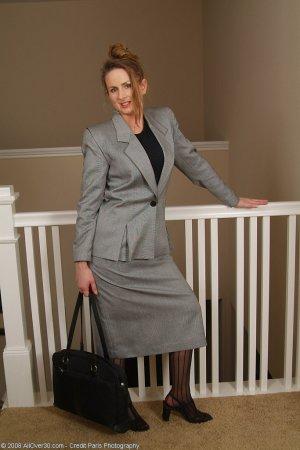 Эротичная секретарша в возрасте