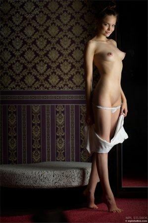 Киска в отменном одеянии