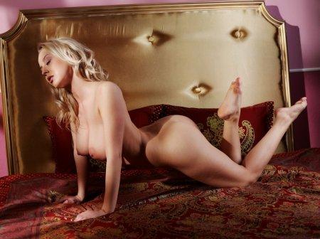 Сисястая - грудастая Анжелика