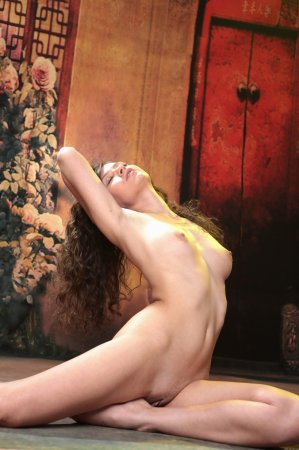 Шатеночка и красивая грудка