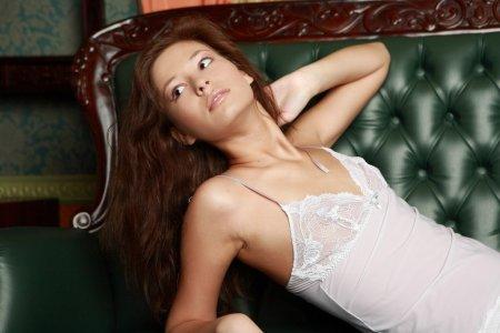 Голенькая Сексуальная красотка