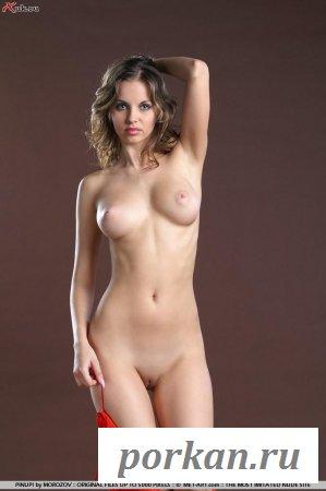 Мисс сексуальность в обнаженке