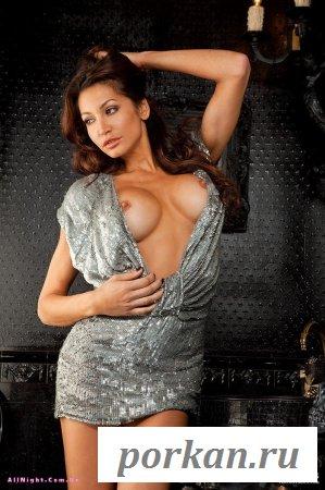 Красивая голая девушка (12 фотографий)