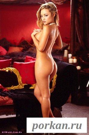 Сексуальная голая эмигрантка (14 фотографий)