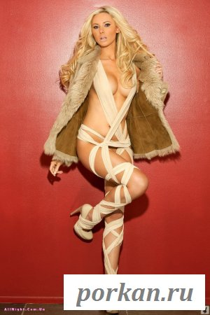 Очень красивая блондинка (20 фотографий)