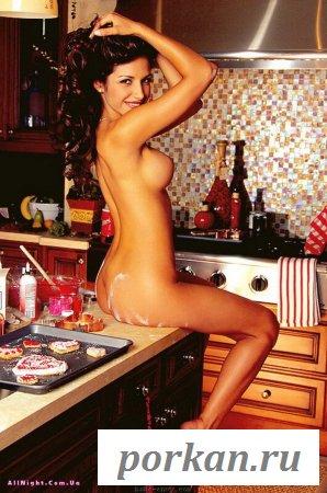 Кондитер готовит голышом (17 фотографий)