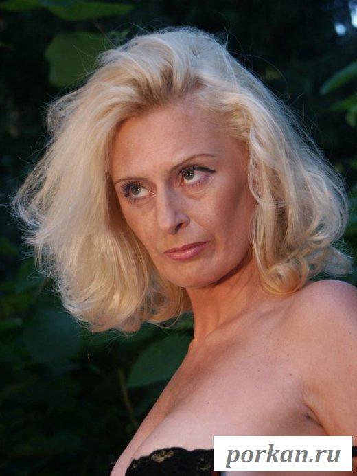 Эротичное бабушкино тело страстной старушки