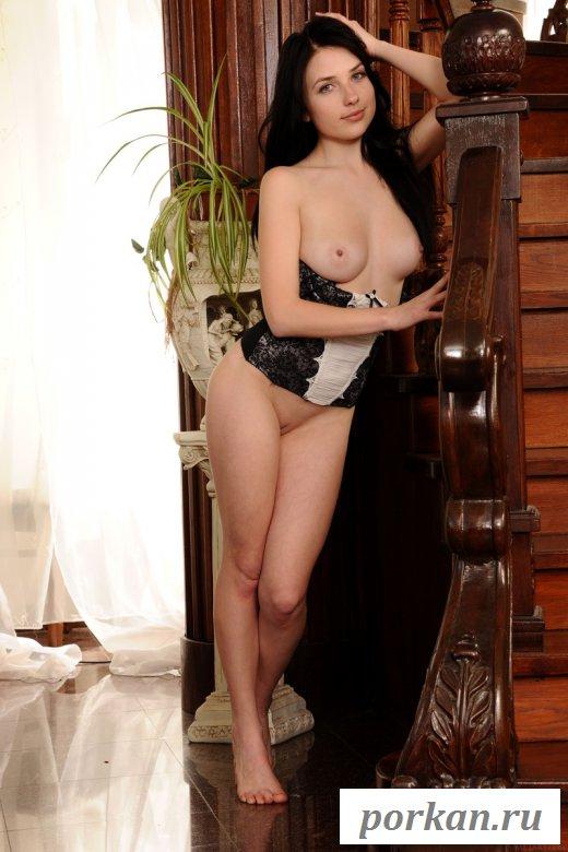 Фото голой сексуальной девушки